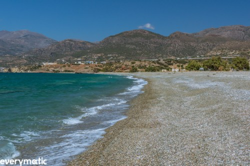 Green beach at Makri Gialo.